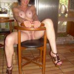 Sexe avec une femme nue cochonne du  23