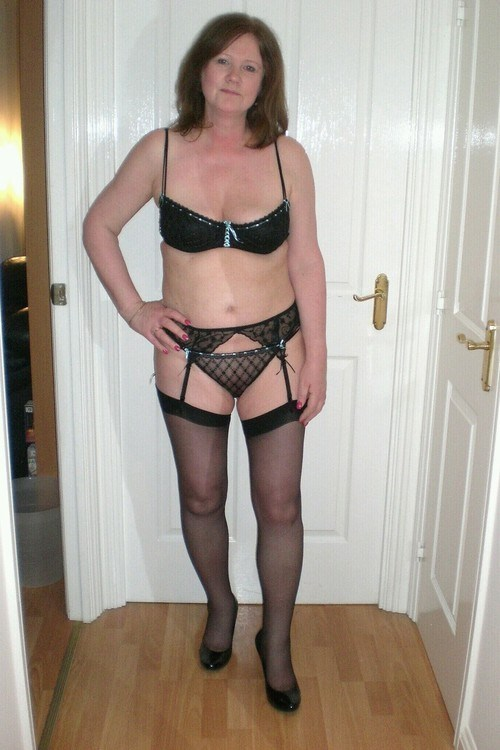 Sexe avec une femme nue cochonne du  26