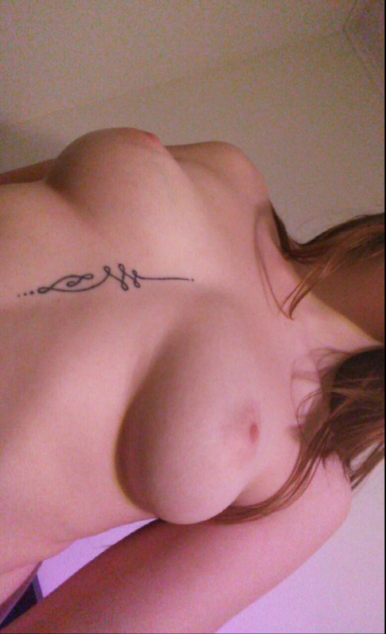 selfie coquin de fille sexy du 58 en manque