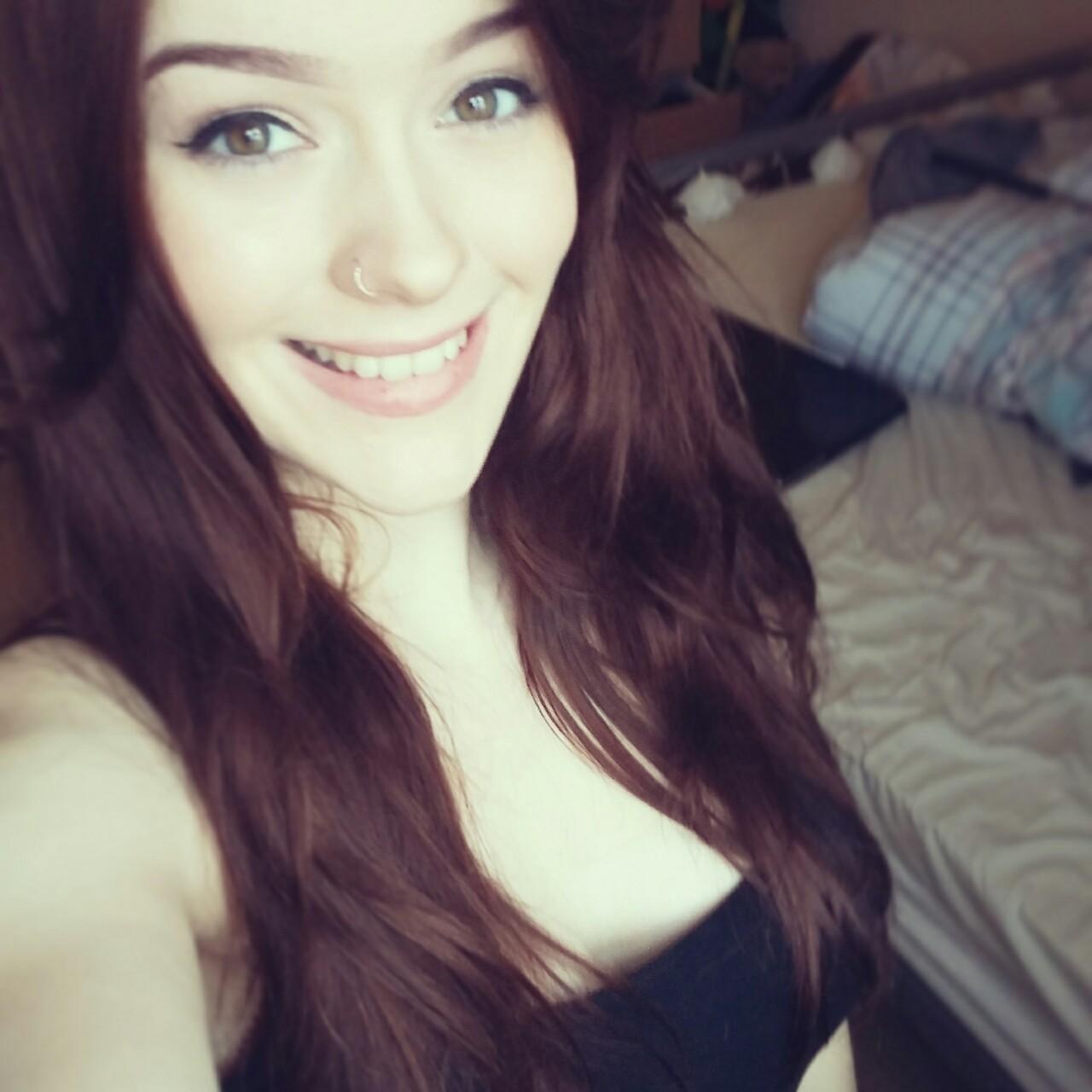 selfie sexe plan cul dans le 36 avec jeune salope