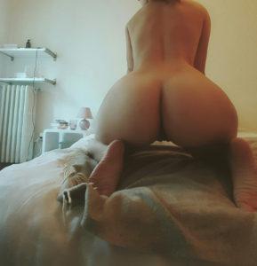 selfie sexe plan cul dans le 44 avec jeune salope