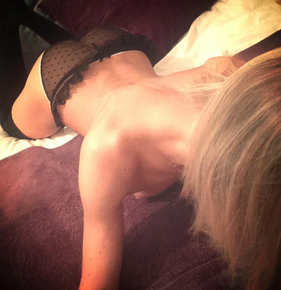 selfie sexy de femme du 12 cherche son plan q