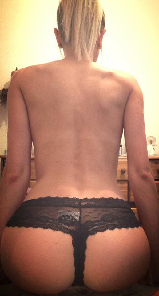 selfie sexy de femme du 15 cherche son plan q